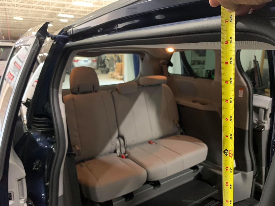 54 inches side door entrance height of 2020 TOYOTA SIENNA XLE