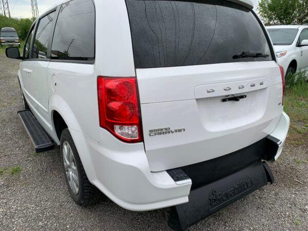 Exterior back view of 2015 Dodge Grand Caravan SXT