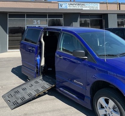 Exterior ramp out view of 2019 Dodge Grand Caravan SE+