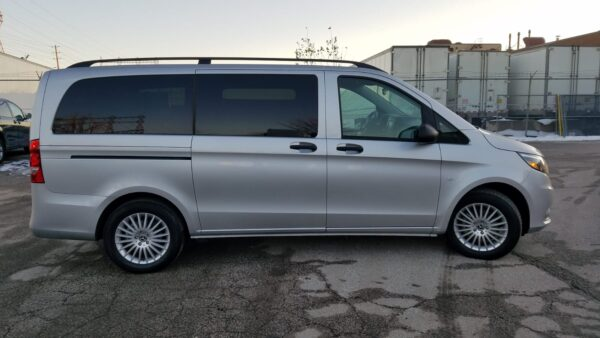 Exterior side view with doors closed of 2020 Mercedes Metris