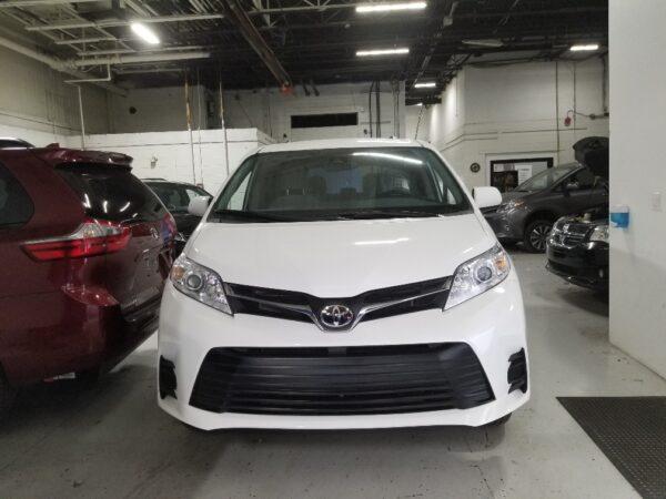 Toyota Sienna -VMI In floor ramp